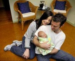 unexpected home birth - dad delivers the baby